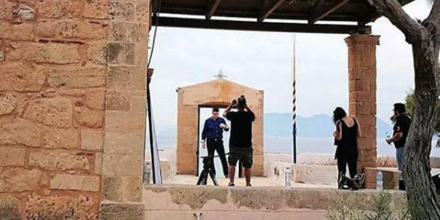 Θύμα διαδικτυακής απάτης Έλληνας τραγουδιστής - Χρέωσαν τις πιστωτικές του - ΦΩΤΟΓΡΑΦΙΑ
